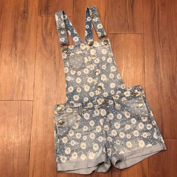 29f6df693 Cherokee Bottoms | Adorable Gorls Daisy Print Denim Overall Shorts ...